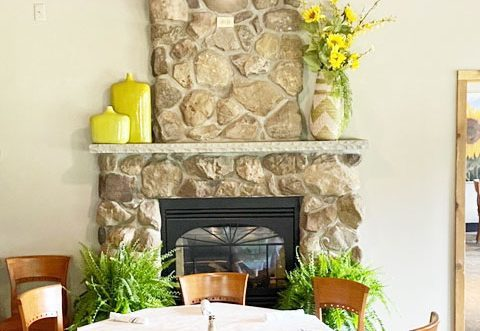 Lodge-on-the-Green-Diing-Room-with-Fireplace