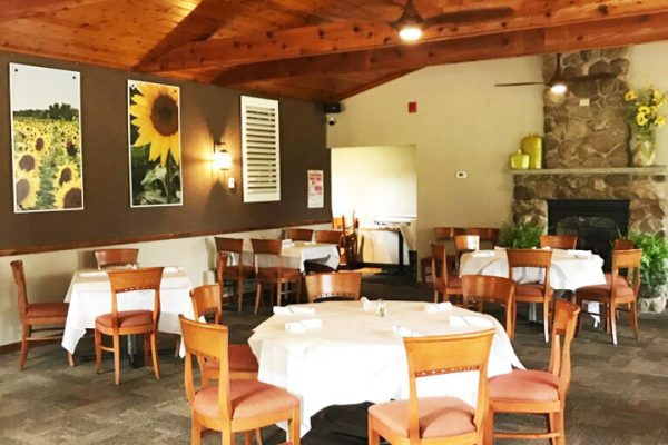 Lodge-on-the-Green-Dining-Room-Sunflowers